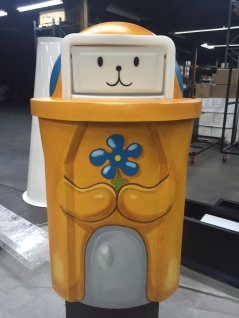 Cute trash can for Snapchat