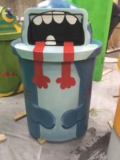 Shark trash can for Snapchat