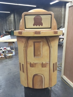 Sand castle trash can for Snapchat
